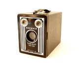 Vintage Kodak Brownie Target Six-20 Camera (c.1946) N2 - Art Deco Home Decor, Collectible Camera Display