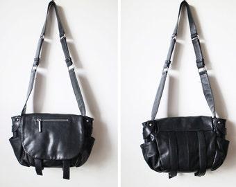Vintage 90s Black Genuine Leather Saddle Bag