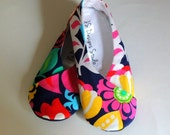 SALE - Womens Kimono Slippers - House Shoes - Indoor Shoes - Footware - Navy Floral - Womens Size 10