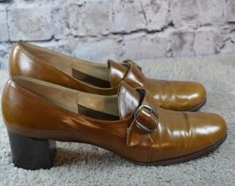 SALE - vintage 1970s Florsheim womens cognac leather buckle heels 9AAAA narrow
