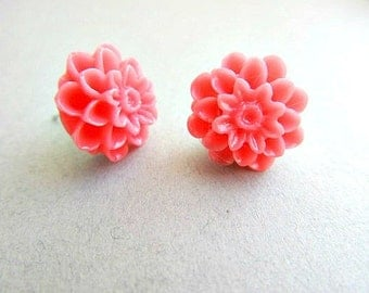 Coral Pink Dahlia Stud Earrings, Summer earrings, simple, Flower