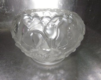 Fenton Water Lily  frosted Satin Glass Rose Bowl Vase with hallmark charming glass,tabletop, Shabby Chic