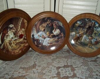 3 Pc Collection Knowles Decorator Plates Red Riding Hood 3 little pigs Goldilocks N Bears, frames Oak Van Hygan & Smythe..Reduced..WAS.28.88