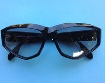 Jacomo French Designer 1970s Women Black Psychedelic Sunglasses - Unique Signed Frame - MADE IN FRANCE -  New/Old Stock