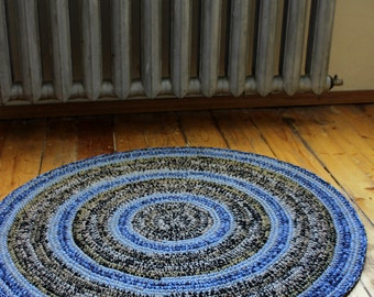 Hand crochet round rug, beautiful two changing shades put in stripes, melange