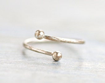 Spiral Sterling Silver Second Knuckle Ring or pinky Ring - Size 4