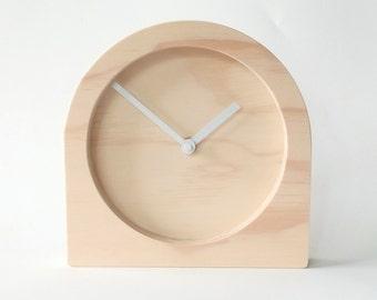 Objectify Plain Desk Clock