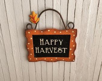 "Miniature ""Happy Harvest"" Sign"