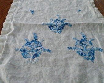 Vintage Hand Embroidered Runner / Blue Flower Table Runner / Fluffy Cotton Runner / Blue Flower Dresser Scarf / Blue Roses / Cottage Sweet