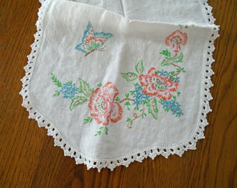 Blue Butterfly Table Runner / Embroidered Vintage Table Runner / Cotton / Flower Embroidered / Butterfly Dresser Scarf / Peach Flowers