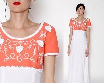 ON SALE Vintage 70s Coral White Maxi Dress / TONI Todd dress / Floral / Small Medium