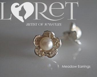 Sterling Silver Daisy Flower with Freshwater Pearl Earrings