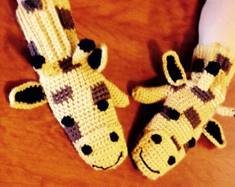 Giraffe mittens, crochet mittens with giraffe face. Sizes 0-6 month through adult available. Made to order.