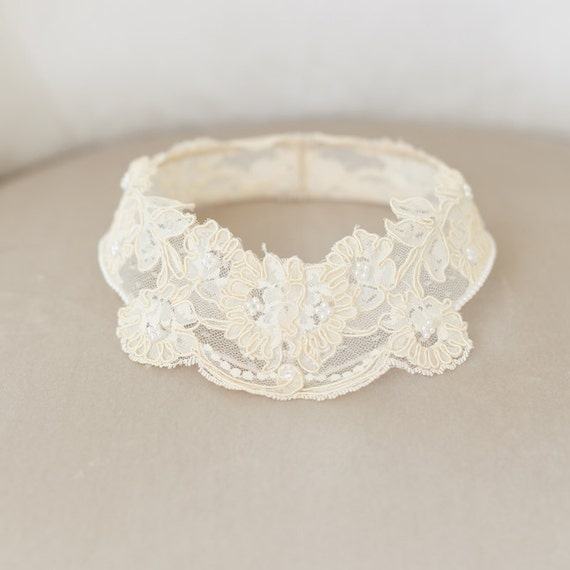 Lace Bridal Cap, Lace Circlet, Princess Grace Lace Cap, Lace Halo, Vintage Ivory Bridal Veil, Ivory Lace Crown, Ivory Cap - STYLE 38