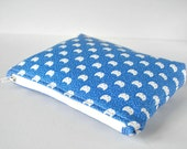 Woman's padded travel make up pouch pussycat cat novelty animal print sky blue and white in large.