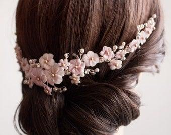Coiffe Mariage Bouquet Floral Sakura - Peigne fleuri rose et blush - Ornement de coiffure mariage fleurs et cristal.