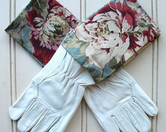 "Washable Leather Gardening Glove - in ""Bayberry Sage"", Garden Glove, Floral Print, Roses, Gardener, Green Thumb, Womens Glove, Pretty Fabric"