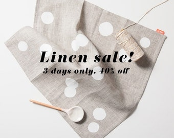 Sale! Set of 4 confetti dot napkins