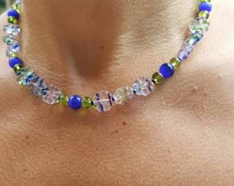 Flower Power tie-dyed glass flowers necklace