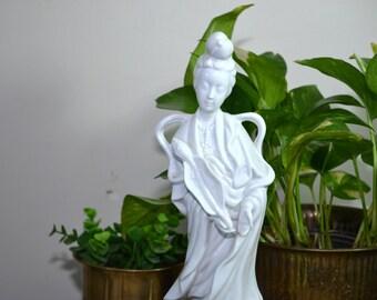 Vintage Ceramic Geisha Girl Blanc de chine Geisha Girl White Ceramic Geisha Girl Chinoiserie Decor Asian Decor