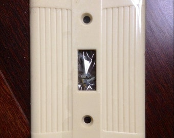 FREE SHIP! Ribbed IVORY Bakelite Light Switch Plate Covers, Screws, Eagle