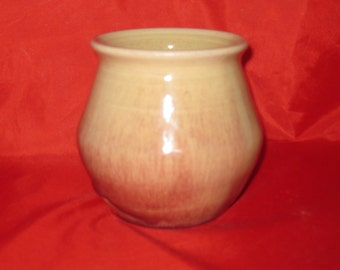 Red-streaked Short Vase or Pencil Holder