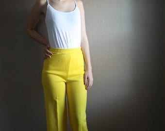"""Vintage 1960s / 1970s Bright Yellow """"ACT III"""" Wide Leg Flare Pants Size Small Women's High Waisted Polyester Mod Retro Hipster Housewife"""
