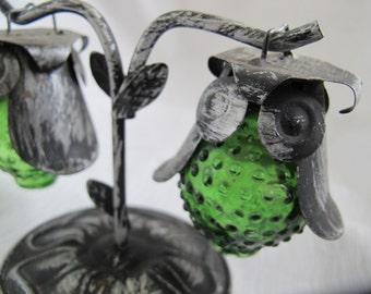 Green owl hobnail glass salt and pepper shakers / hanging owl salt pepper shakers