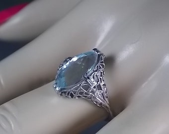 Vintage Aquamarine Filigree Ring 2.75 Carats White Gold 18K 2.5gm Size 6.75 March Birthstone