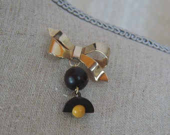 Vintage Gold Tone Bow and Brown and  Creamed Corn Beaded Dangle Brooch