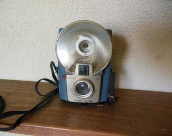 Vintage Brownie Starflash Dakon Lens Camera