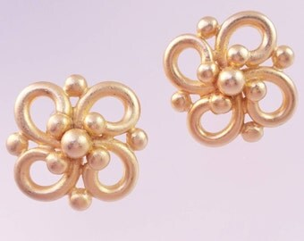 Designer Signed Erwin Pearl Clip On Earrings,Brushed Gold Earrings, Swirl Dot Design, Modified Infinity Symbol