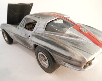 Classicwrecks Rusted Wreck Scale Model Silver Corvette Car