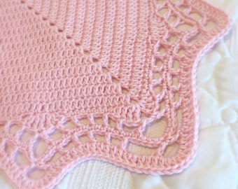 Crochet Blanket Pattern with Scalloped Edge