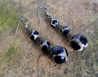 Black and Tan Agate Gemstone Dangle Drop Earrings