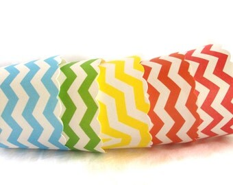 Small  Rainbow Chevron--Nut/Candy/Baking Cups--20ct--Parties--cupcakes-gumballs-snacks