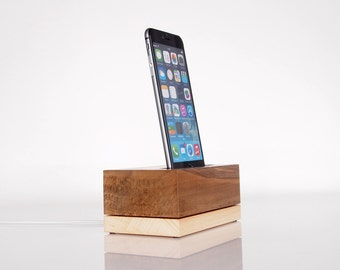 iPhone charging station - iPod Touch Dock - modern minimalistic design - walnut and beech wood - iPhone 7 / 7 plus compatible
