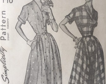 1940s vintage dress pattern Simplicity 2901 ladies dress size 16 bust 34 inch, appears to be unused,