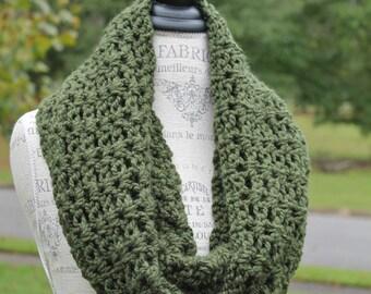 Chunky Crochet Infinity Scarf - Green Cowl - Double Wrap Neckwarmer
