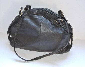 Vintage black handbag  leather shoulder Brio  purse Doctor bag , 1980s  winter wear Traditional Purse Chic