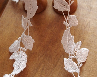 ivory lace trim with floral leaves, bridal lace trimming, wedding decoration  DG114B