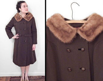 BROWN Wool Peacoat // 1960s Flah Co. Roma Gab // Fur Collar Size Medium