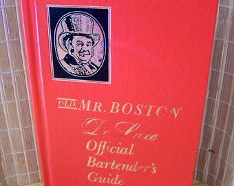 "Vintage 60's  ""OLD MR. BOSTON"" De Luxe Official Bartender's Guide"