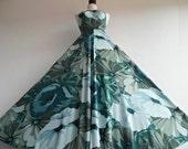 TIMO ALEXANDER . Signed Print . Emerald Flowers . XS . Bold Loud Giant Print Maxi Dress 70s Green Halter