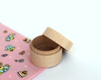 Set of 25 Tiny wooden boxes / small round jewelry boxes / wedding wooden box