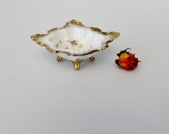 Vintage Porcelain Footed Ring Dish - Porcelain Ring Holder - Vanity Trinket Dish