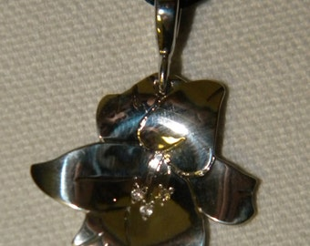 Sterling Silver Lily pendant
