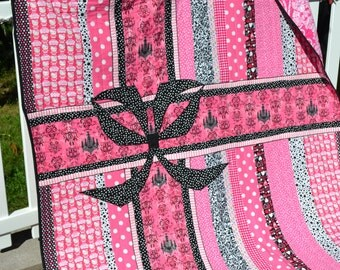 Modern  Quilt Wall Art Handmade KITTY Cute Funky  Kawaii Tween Teen Bedding Throw Quilt Hot Pink and Black  Small Twin Size Quilt