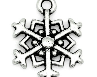 10 Snowflake Charms - Antique Silver - 18x14mm - Ships IMMEDIATELY from California - SC1190