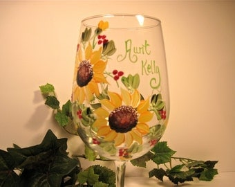 Free shipping Gift for Aunt personalized painted wine glass